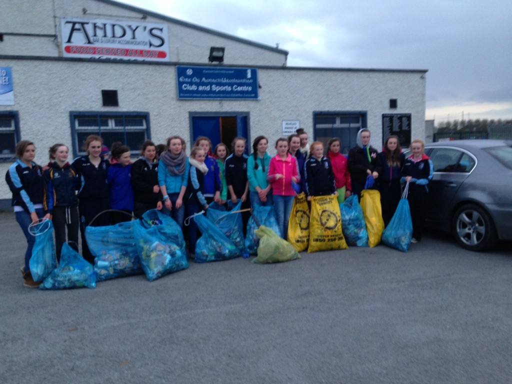 A terrific group of Camogie players who helped clean up MacDonagh Park after Sunday's senior double header.